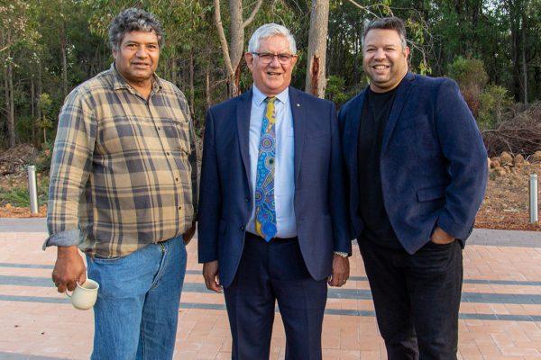 Trevor Walley (L), Hon Ken Wyatt AM, MP (C) and Phil Walleystack (R). Image Credit: Geoff Scott