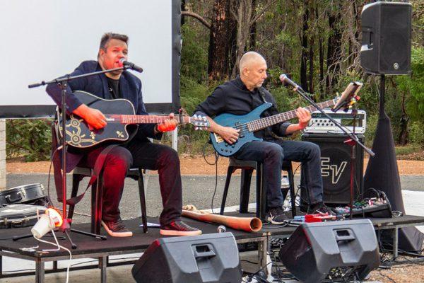 Phil Walleystack singing on stage. Image Credit: Geoff Scott