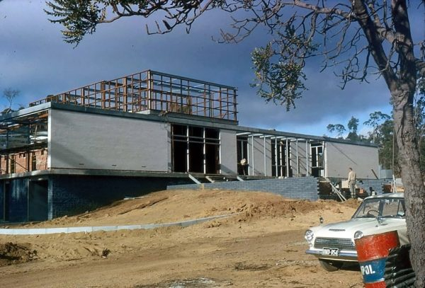 Construction of the new office building at Bickley. Image Credit Perth Observatory