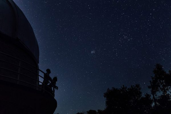 Francis and Matt looking at the Pleaides Cluster. Image Copyright: Michelle Lucking (Lucking Photography)