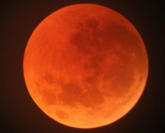 Total Lunar Eclipse background